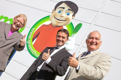GREEN THUMB, ST ASAPH BUSINESS PARK.  Pictured is  Ann Jones AM, Stephen Waring Founder and CEO of Green Thumb  and Chris Ruane MP.